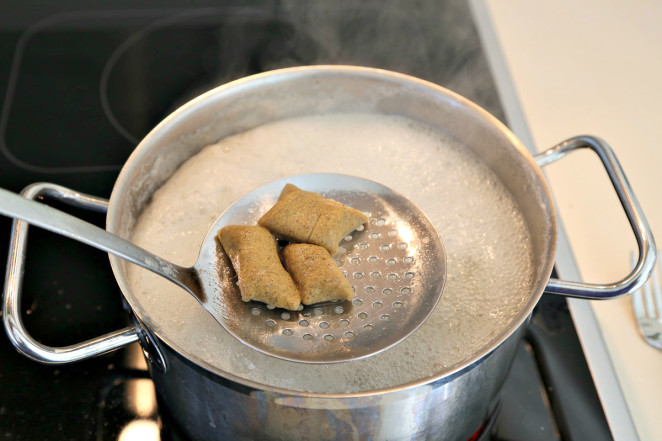 Gnocchi boiling water